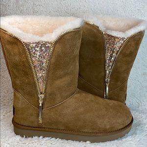 Ugg Women Classic Zip boot